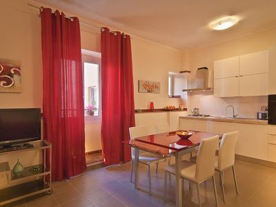 Photo for Apartment 1 km from the center of Rome with Internet, Air conditioning, Lift, Washing machine (369074)