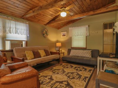 Photo for Cozy cottage w/ private deck - walk to Short Sands Beach, 2 dogs welcome!