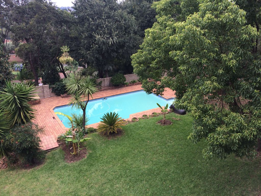 Green Living in Quiet Gated Central Neighbourhood, Comfortable & Serviced
