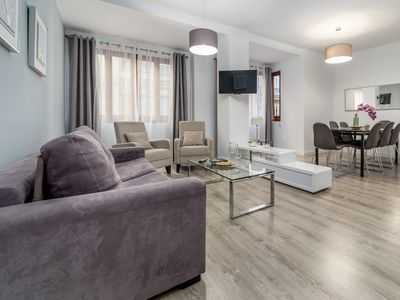 Photo for TH 1A Ayuntamiento.. - Apartment for 8 people in Valencia