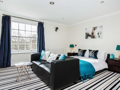 Photo for 5BR House Vacation Rental in Southampton, Hampshire