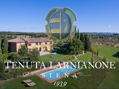 Photo for Overview Villa with private pool up to people, 5 km from Siena, Tuscany