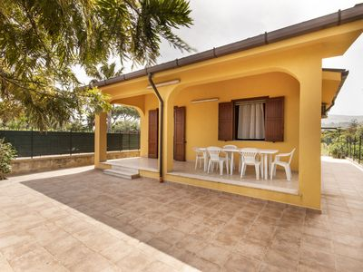 Photo for Independent villa near the sea