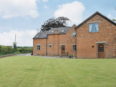 Photo for 2 bedroom accommodation in Thorpe, near Ashbourne