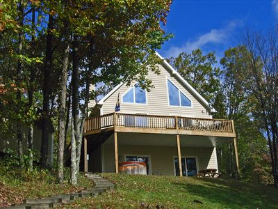 A Peaceful 5 Bedroom Lake Front Chalet Waiting for Your Mountain Vacation!