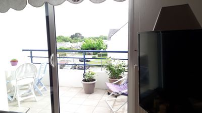 Photo for Apartment in quiet area with sea views