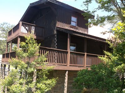 Photo for 4 bedroom cabin; mtn views; hot tub; comm pool and king beds