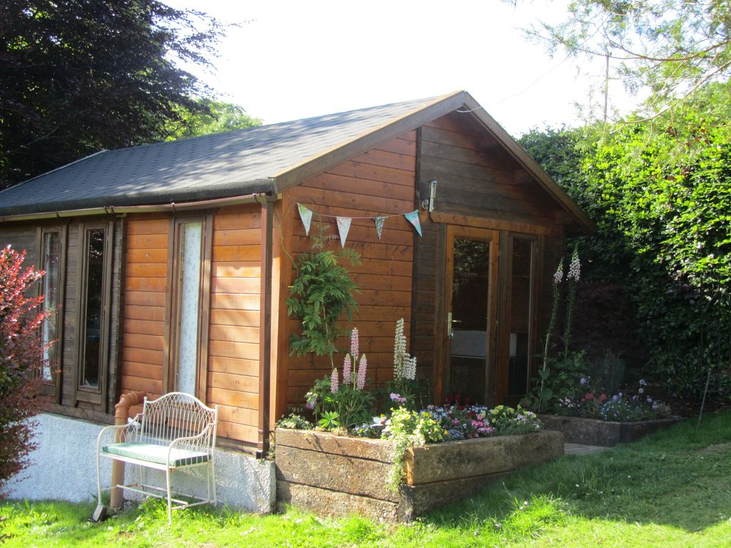 cottage cotswolds honeymoon private behind holiday wooden tree is pear set cottages gate ideal holidays wonderfully the in large ireland property gloucestershire a england