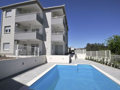 Photo for Spacious villa with 6 fully equipped apartments, private heatable swimming pool