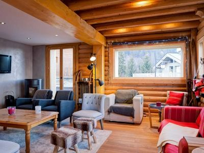 Photo for Chalet La Tania, 6 bedrooms, 15 persons