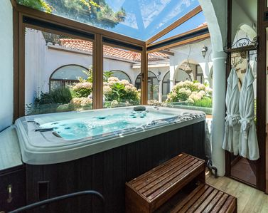 Photo for Luxurious Canary Cottage with Jacuzzi, BBQ, free WIFI, sat TV & much more
