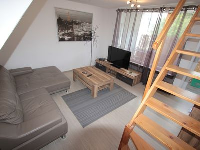Photo for Ideal fair / guests / fitter 5 room apartment, 85 m², only about 13 km from Cologne / Messe. 3 separate bedrooms, up to 7 persons, living room, kitchen / dining room, 2 balconies. The apartment is centrally located, all shops are needed in the vicinity
