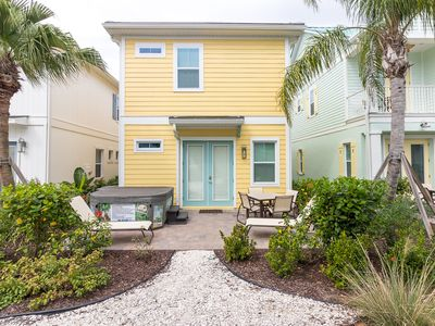 Photo for Beautiful Margaritaville Cottage! Lagoon pool with poolside Tiki Bar! Minutes to Disney!