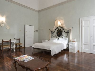 Photo for Tornaquinci Apartment 5 - Luxury next to the Duomo