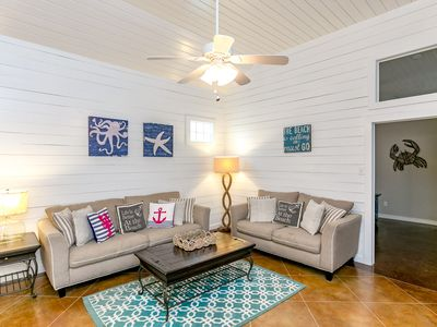 Photo for Winter Texans Welcome: TV's in Every Room, Island Style Decor, Pets