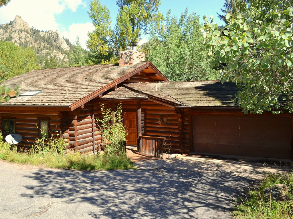 Log Home with Hot Tub on Fall River - Walk ... - VRBO