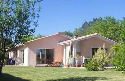 Photo for Lovely bright villa in a quiet neighborhood near forest and sea
