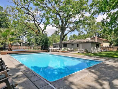 Photo for Ripple - 3 Bedrooms, 2 Bathrooms, Sleeps 8 w Pool And Hot Tub.  3 Bedrooms, 2 Ba
