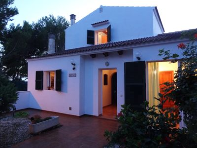 Photo for Villa with pool and private garden, free Wi-Fi, air-conditioned, and Sat TV