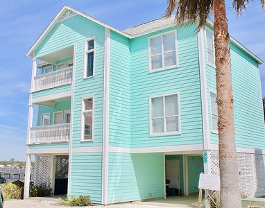 Photo for DELIGHTFUL HOUSE, LAGOON VIEW, 5 MINUTE WALK TO THE BEACH !