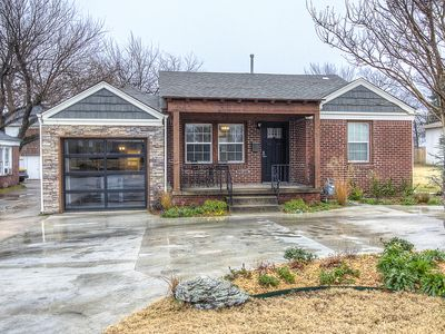 Photo for Charming Brick Home Off Of Route 66 Near Tulsa Expo Fairgrounds. Sleeps 10!