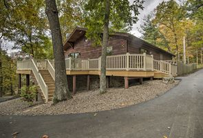Photo for 4BR Cottage Vacation Rental in James Creek, Pennsylvania