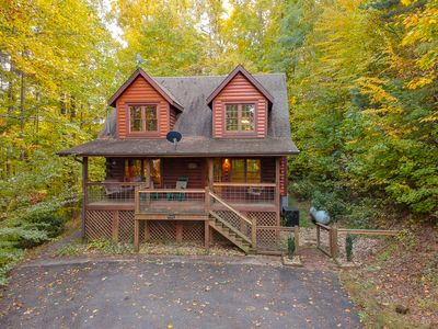 Photo for Sleeps 8, free video games, hot tub, fplc, near Pigeon Forge & National Park
