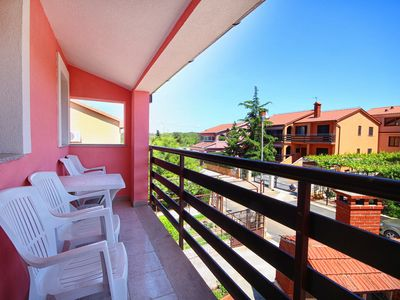 Photo for Centrally located with balcony - Ondina 2