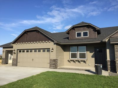House on the golf course, excellent getaway home!