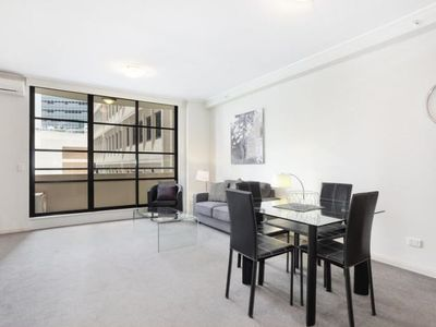 Photo for Comfortable One-bedroom North Sydney Wyndel Apartment