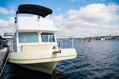 Rad Ish Houseboat With Panoramic Views Of Seattle From Heart Of City Seattle