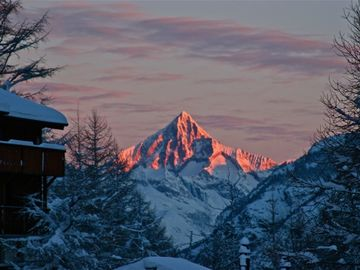 6 Star Ultra Luxury Chalet, Fantastic Views! Private Wellness, Sauna & Whirlpool
