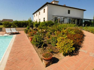 Photo for 9 bedroom Villa, sleeps 18 in Fattoria Montecchio with Pool, Air Con and WiFi