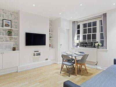 Photo for Newly Renovated 1Bed Flat, Westminster, Sleeps 4.