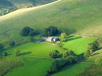 Stunning Views, Characterful Property and Easy Access to Hikes/Walks