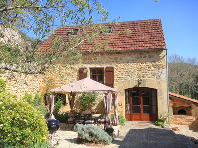 Photo for Gite & Heated Pool, WiFi, Stunning South-facing Views Of Dordogne Valley