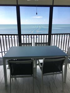 Photo for Special rates for April! Newly remodeled. Fresh & elegant .Majestic sunset view.