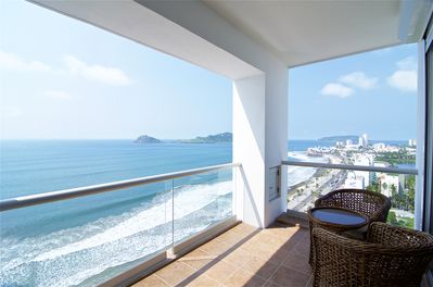 Best views of the ocean from the terrace.