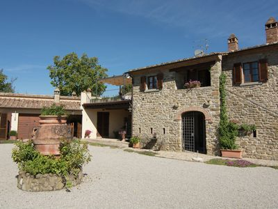 Photo for Luxurious, cozy apartment with pool near Cortona in Tuscany versatile