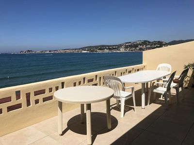Photo for Beautiful renovated waterfront apartment with stunning panoramic views