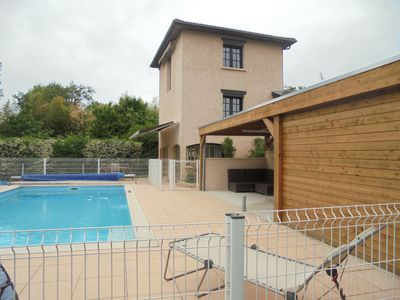 Photo for Gites 6 pers with swimming pool near Villefranche sur SaÃ'ne