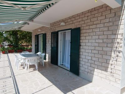 Photo for Three bedroom apartment with terrace and sea view Pisak, Omiš (A-1010-a)