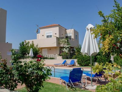 Photo for Villa ✩ Yard & Pool ✩ Jacuzzi ✩ 8 Guests ✩ SeaView