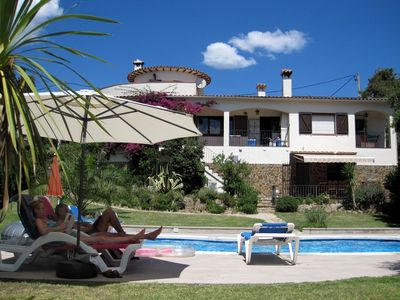 Photo for Superb villa with fantastic  private garden + heated pool  + WiFi