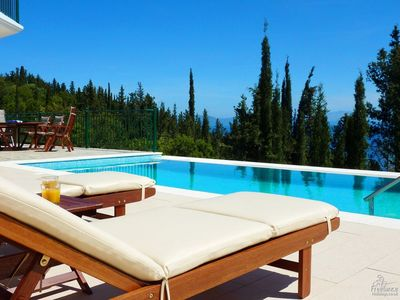 Photo for 3 bedroom Villa, sleeps 6 in Matsoukáta with Pool, Air Con and WiFi