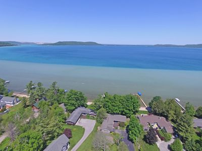 Beautiful Lakefront Home on the South Shore of Big Glen Lake