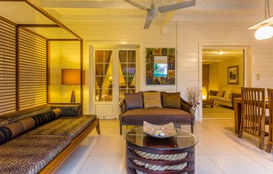 Photo for Bread tree: Luxury villa classified 5 *, Creole charm 30m from the lagoon