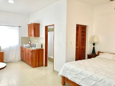 Photo for Spacious Studio King Bed Overlooking Pool Fast Wifi NEW