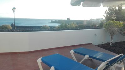 Photo for Villa 2 bedrooms first line of the sea with views to Fuerteventura and Isla Lobos