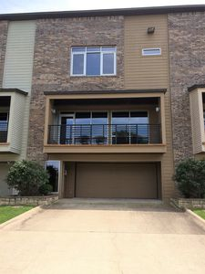 Photo for Quiet setting with 3 Bedrooms and garage. Location a PLUS.